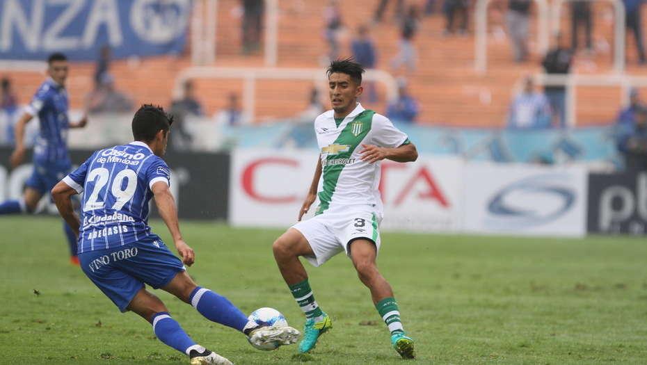 Godoy Cruz sigue de fiesta: venció 3 a 1 a Banfield en Mendoza