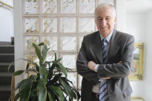 Los economistas Bernardo Kliksberg y Eduardo Hecker analizarán el escenario actual en un espacio de integración en la Casa de Misiones