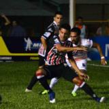 Crucero goleó a Estudiantes de San Luis en Misiones y sigue la racha positiva de local