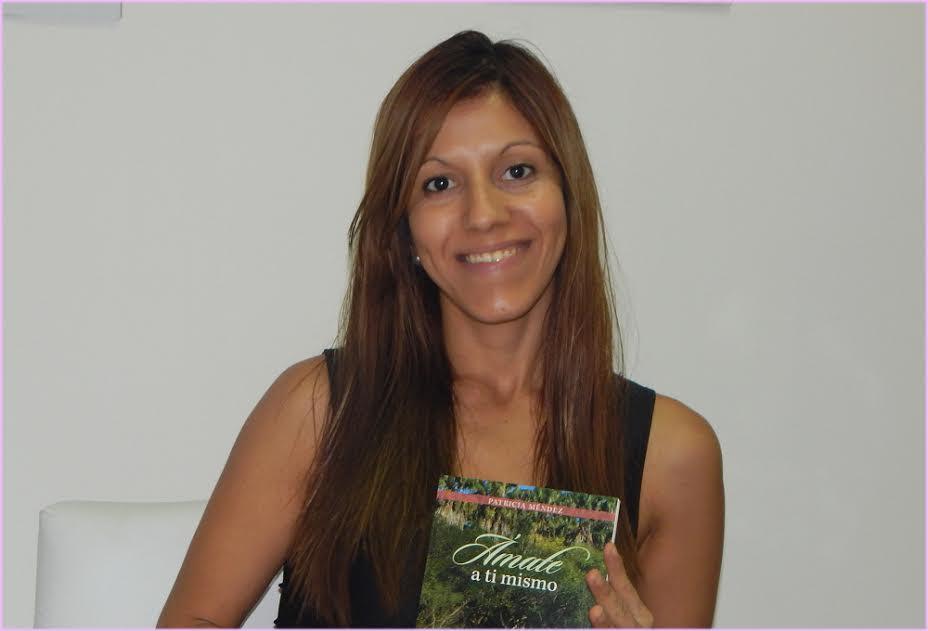 La escritora y terapeuta holística, Patricia Mendez, presentará su libro «Ámate a ti mismo» esta tarde en el Cidade