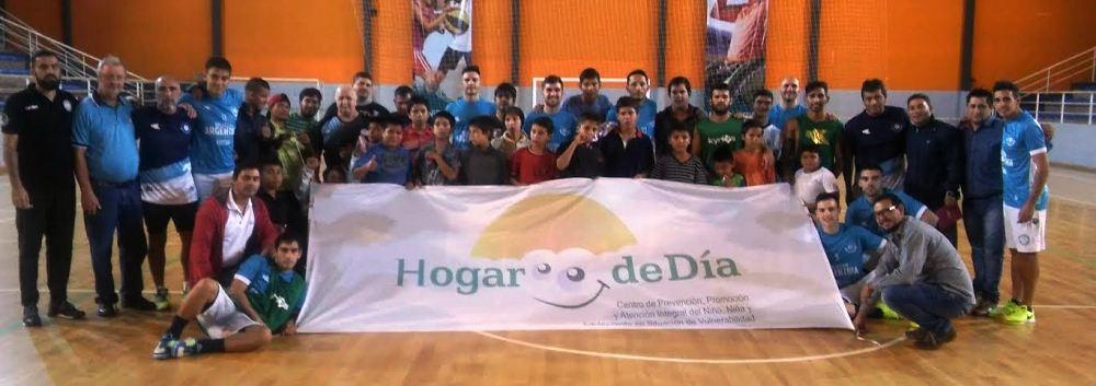 Intercambio y entrenamiento de la Selección Argentina de Fútbol de Salón con los chicos del Hogar de Día