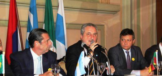 El gobernador Passalacqua afirmó que quiere construir puentes con Brasil y Paraguay antes de terminar su gestión