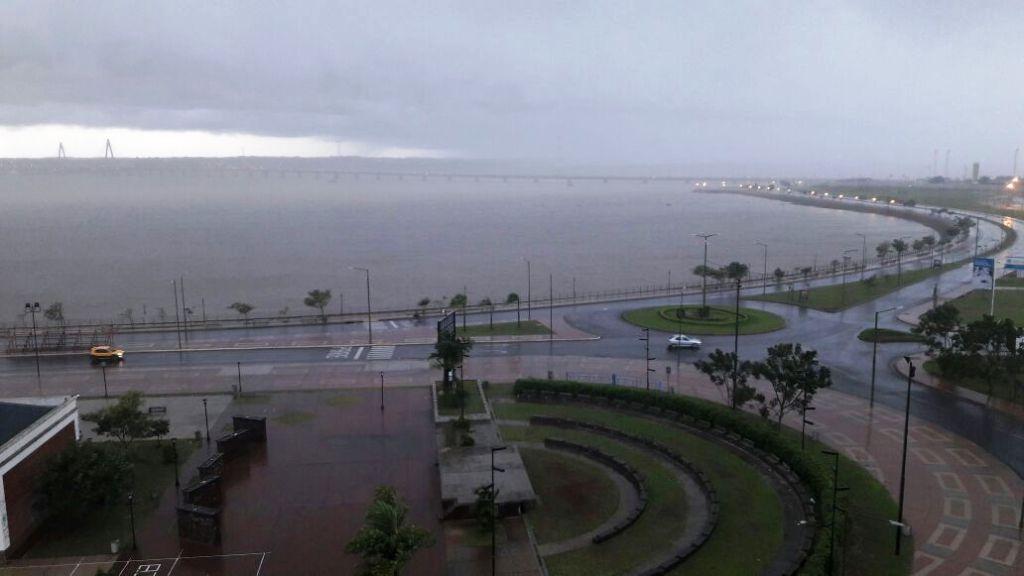 Fuerte tormenta azota la Capital misionera