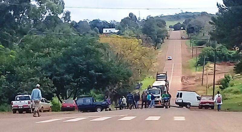 Siguen los cortes de ruta en Pozo Azul: están sin luz desde el domingo