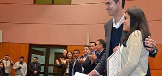 El gobierno de Salta invierte más de 30 millones de pesos para destinar en becas universitarias y terciarias