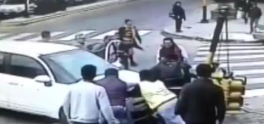 Impactante video: un auto se subió a la vereda y atropelló a un joven que se salvó de milagro