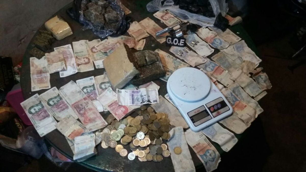 La Policía desarmó otro kiosco de droga en Posadas y detuvo a dos «dealers» armados