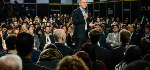 """Macri: """"Siempre tener inquietudes y nunca dejar de capacitarse"""""""