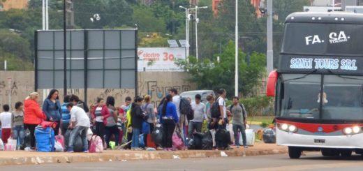 Micros que hacen tours a Encarnación siguen dejando a sus pasajeros en la Costanera