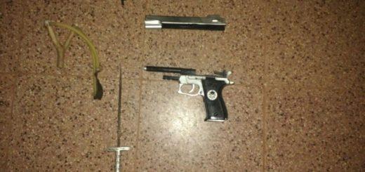 Detuvieron a delincuente que intentó robar a un comerciante amenazándolo con una pistola de juguete y una daga: los vecinos quisieron lincharlo