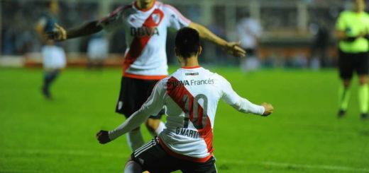 River goleó a Atlético Tucumán y quedó a un punto del líder Boca
