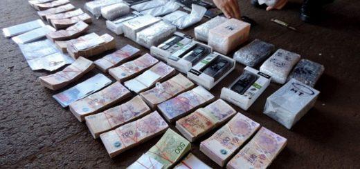 Quiso ingresar a Iguazú con 43 celulares y 286 mil pesos ocultos en el doble fondo de un auto