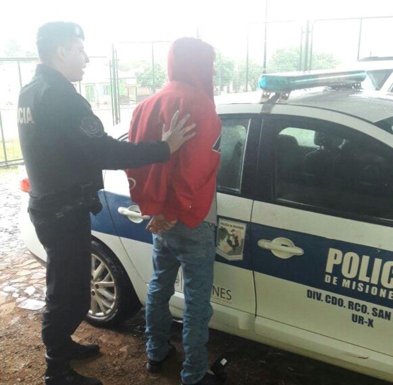 Descontrolado intentó agredir a su familia y fue detenido