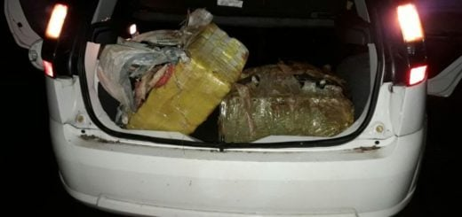 Narcos huyeron de la Gendarmería y abandonaron una carga de droga en el acceso al parque La Cruz de Santa Ana