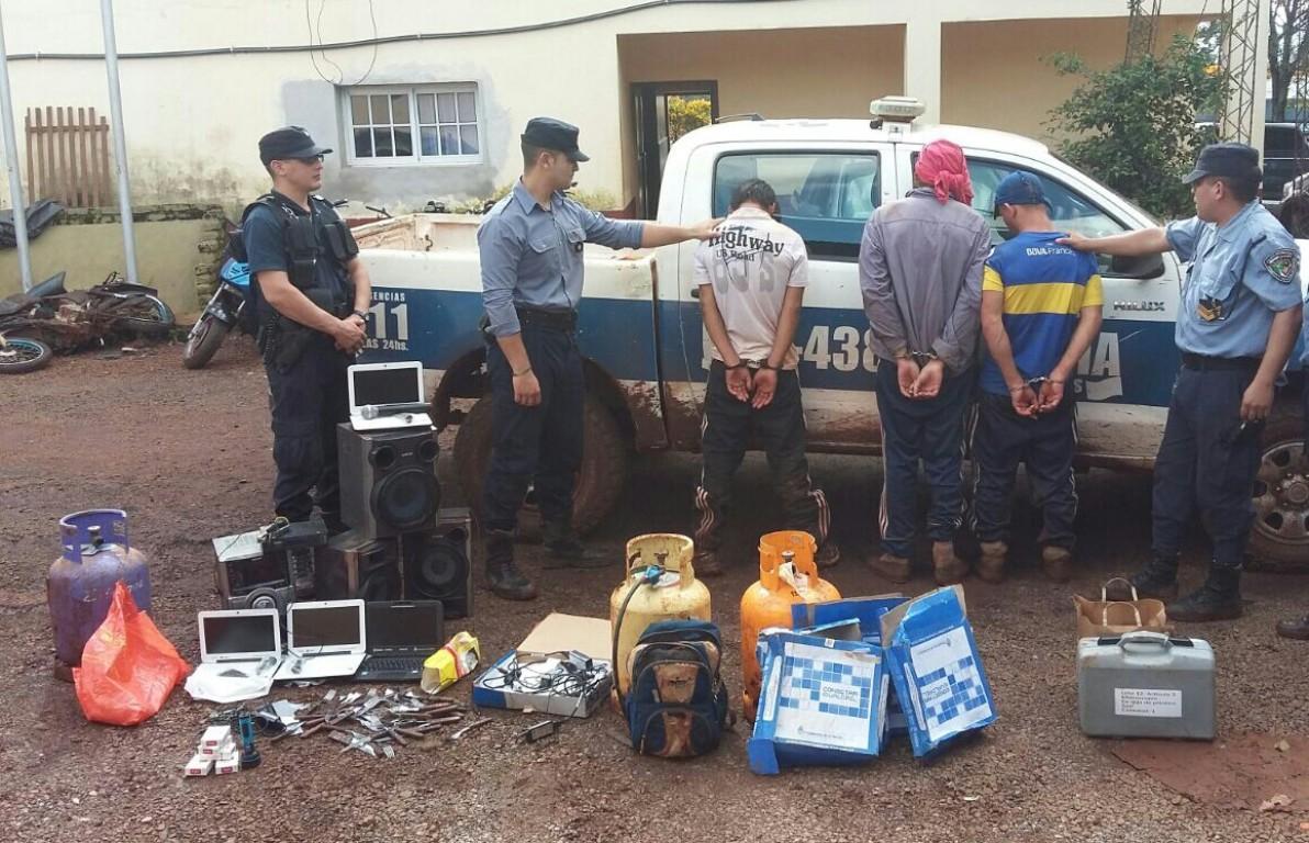Cuatro detenidos por desvalijar una escuela en Jardín América
