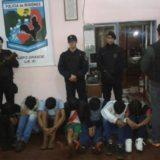 Policías agredidos y un patrullero con daños durante procedimiento en Posadas
