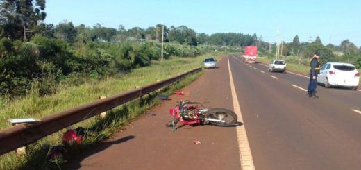 Colisión entre un camión y una motocicleta dejó un lesionado en Guaraní