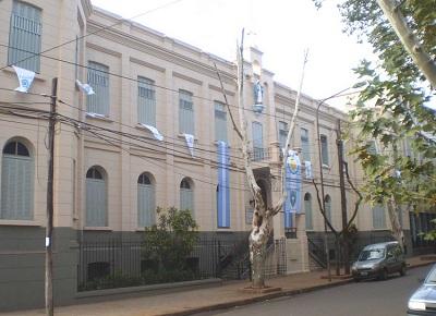 La ministra de Educación reiteró que apartaron del cargo al docente del Santa María y seguirán con la investigación