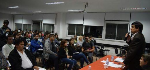 Hackathon: más de 170 desarrolladores tecnológicos buscan soluciones para Posadas
