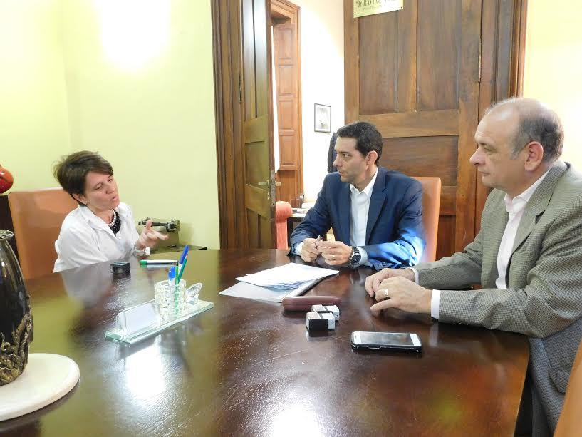 Se rubricó convenio entre el Ministerio de Gobierno y la Universidad de la Cuenca del Plata