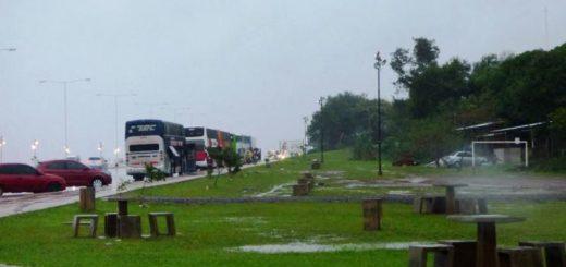 Los tour de compras a Encarnación siguen estacionando en la Costanera