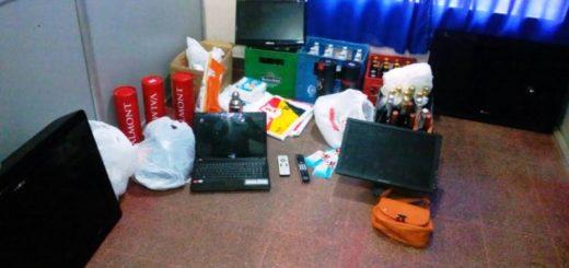 """Posadas: policías sorprendieron a jóvenes intentando vender elementos robados en restaurante """"Bocatto"""""""