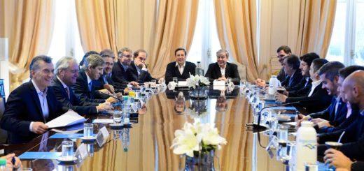 Macri encabeza la reunión del Gabinete nacional y a la noche viaja a Ecuador