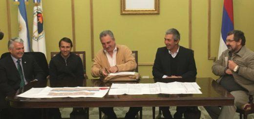 Passalacqua encabeza la apertura de sobres de la licitación del nuevo complejo Ian Barney de Oberá