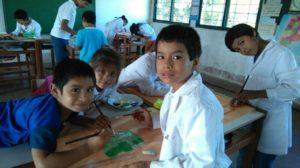 Corrientes: sin luz ni alimentos hay cinco familias que se encuentran aisladas en un paraje de La Cruz por la crecida del río