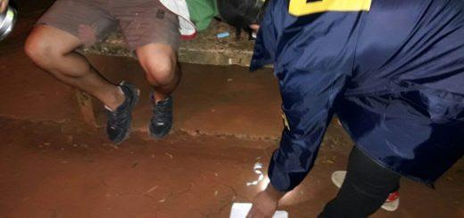 Sorprenden a un joven vendiendo droga en la plaza Estévez de Posadas