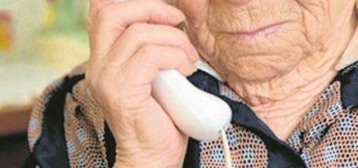 """Con """"el cuento del nieto"""" le robaron 20 mil pesos a una abuela de Oberá"""