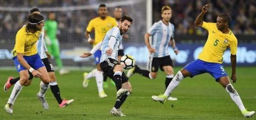 Sampaoli explicó la salida de Higuaín y las ausencias de Messi y Otamendi ante Singapur