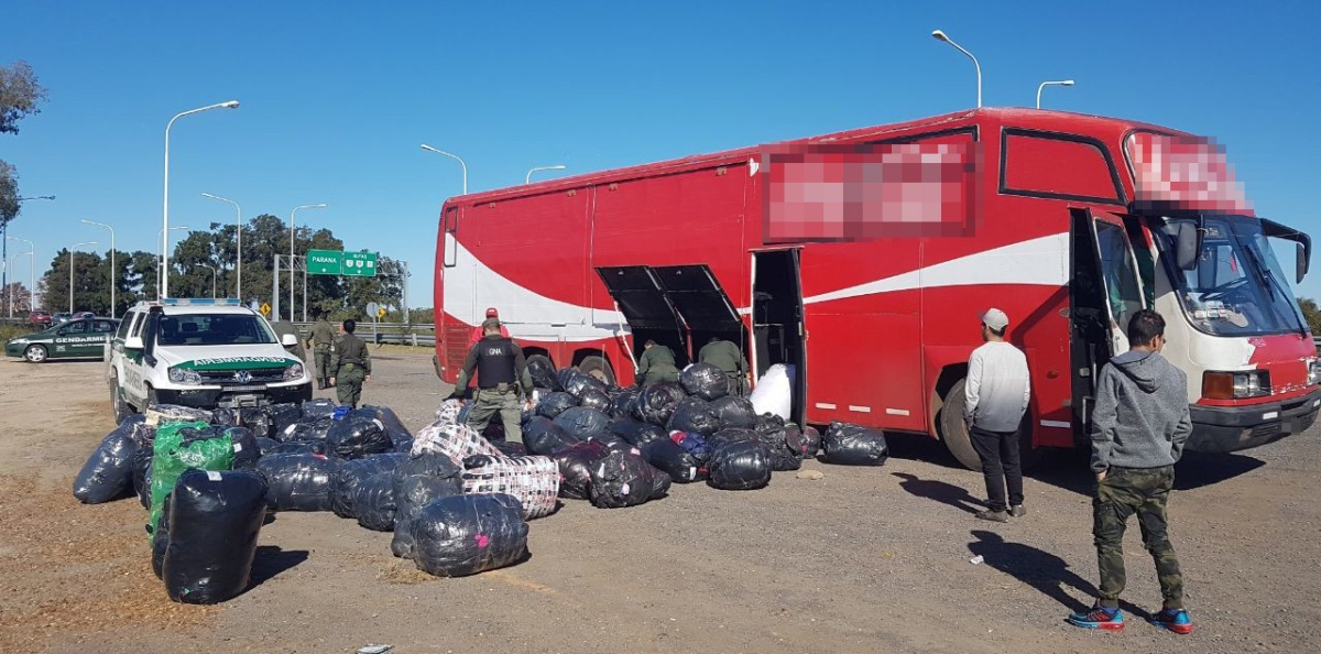 GN decomisó en Santa Fe mercadería ilegal del rubro tienda que estaban trasladando desde Posadas