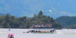 Colombia: Tres muertos y 30 desaparecidos por hundimiento de barco turístico