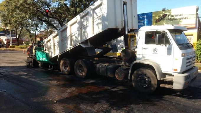 Vialidad trabaja en la mejora integral de la avenida Tambor de Tacuarí en Posadas