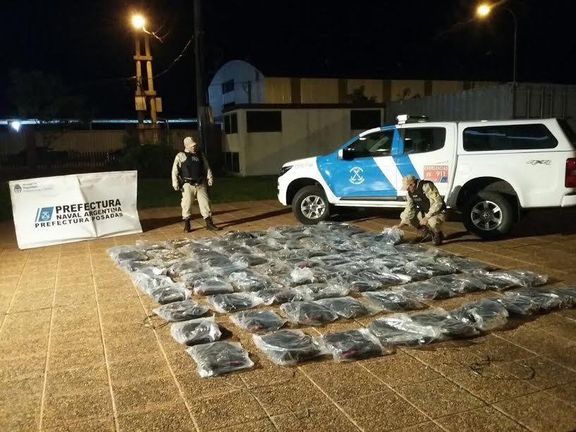 Prefectura secuestró mercadería de contrabando valuada en más de 167 mil pesos en Posadas y Puerto Iguazú