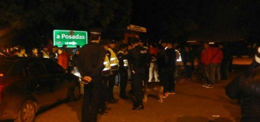 Mototaxistas amenazan con volver a cortar el puente Posadas-Encarnación por los controles