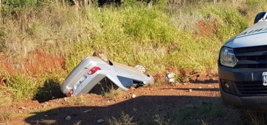 Volcó un auto entre Candelaria y Santa Ana: un herido