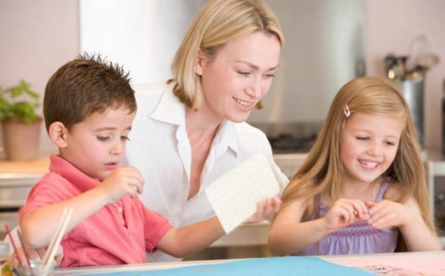 Las recomendaciones de una psicóloga para estas vacaciones y tus hijos