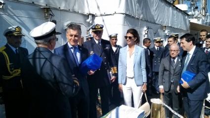 Macri celebró el Día de la Independencia a bordo de la Fragata Libertad en Alemania
