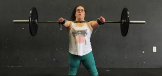 La inspiradora vida de la atleta sin brazos ni piernas que desafía los límites