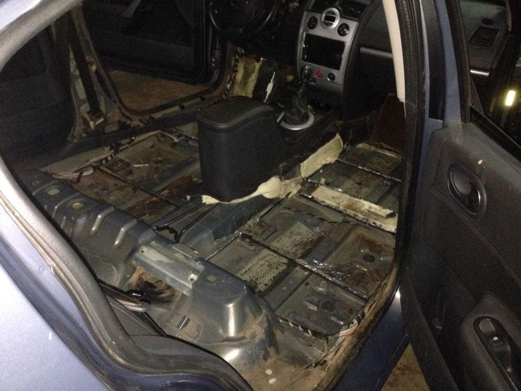 Colonia Victoria: llevaba una carga de droga oculta en el auto y lo delató la perra adiestrada que tiene la Gendarmería
