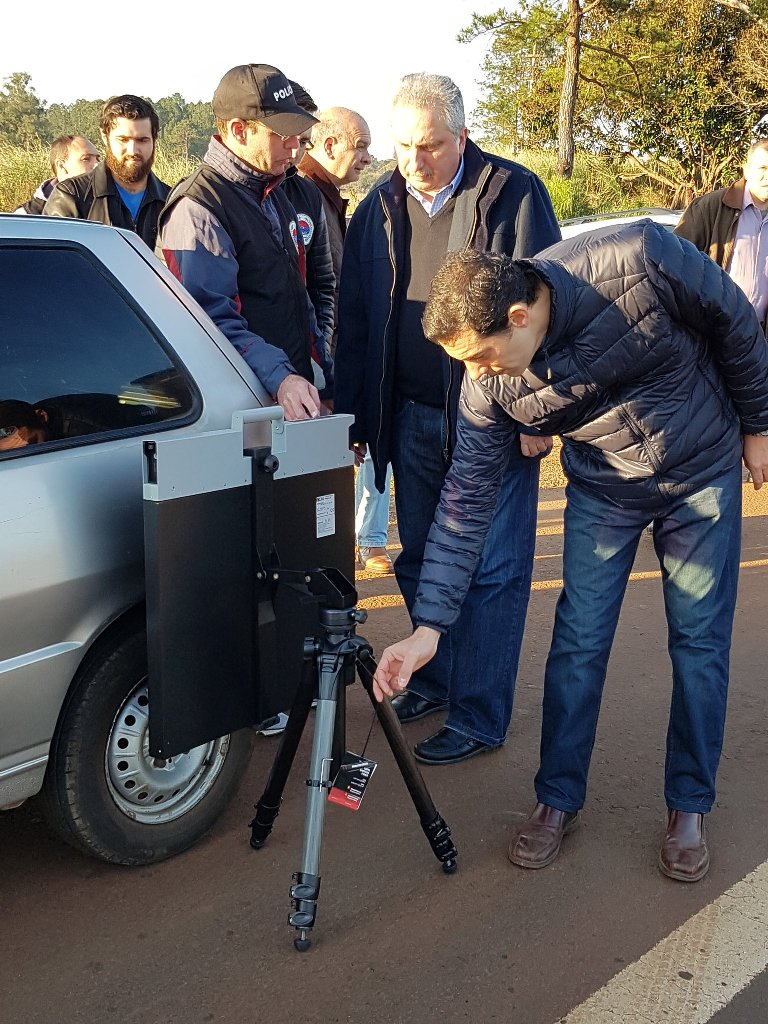 Presentaron en sociedad la tecnología de punta con la que la Policía le hará frente al narcotráfico: el Scan Flat 30