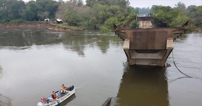 Puente de la tragedia: recorrieron terrenos para el camino alternativo en la zona del arroyo Guazú