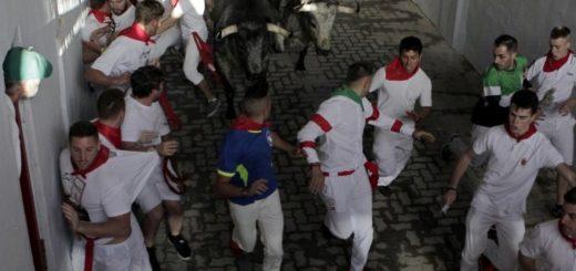 España: el primer encierro de San Fermín dejó tres heridos por asta de toro