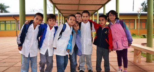 Más de 415 mil misioneros volvieron a las aulas y comenzó la capacitación laboral en contra turno para estudiantes secundarios