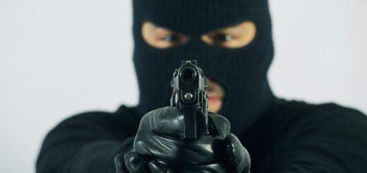 Banda armada asaltó a una familia bonaerense en San Vicente y le robó la camioneta
