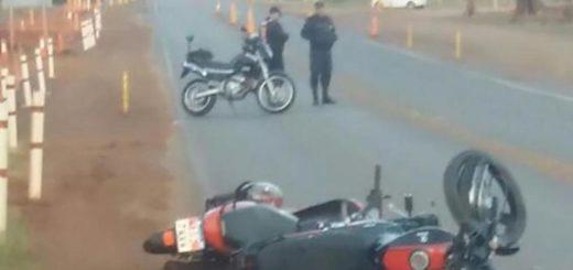 Choque frontal entre dos motos en Posadas dejó tres heridos