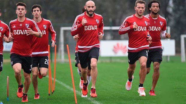 River: Maidana no viaja a Paraguay y Scocco le dejó una gran impresión a Gallardo