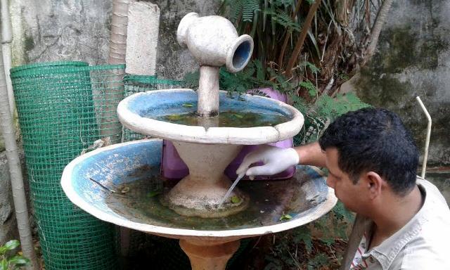 """Fabián Zelaya: """"Lo que hacemos es explicar y hacer entender a la gente que se deben eliminar los criaderos de mosquitos"""""""